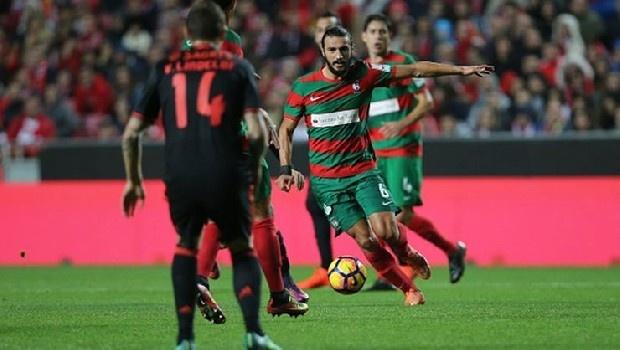 """Erdem Şen, Trabzonspor'la görüşme halinde olduğunu belirterek, """"Listelerinde olduğumu biliyordum. Görüşmelerimiz de devam ediyor. Trabzonspor büyük bir kulüp. Ben de böyle büyük bir takımda oynamaya elbette sıcak bakıyorum. Avrupa'dan da aldığım bazı teklifler var. Öneleme maçlarının ardından netleşecek şeyler var. Amacım iyi bir takımda kariyerime devam etmek'' şeklinde konuştu. (Lig Radyo)"""