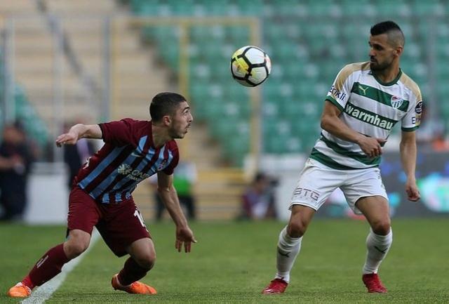 Trabzonspor'un genç yıldızı için dünyaca ünlü bir kulüp sınırları zorlamaya karar verdi.