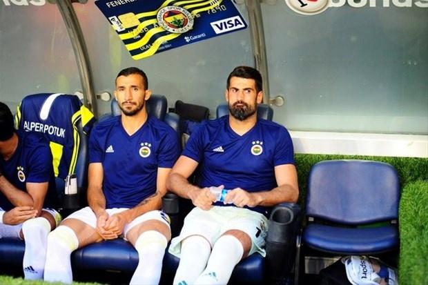 Fenerbahçe'de Kayserispor maçında yedek oturan Volkan Demirel ve Mehmet Topal ile ilgili çok konuşulacak bir gelişme yaşandığı ileri sürüldü.