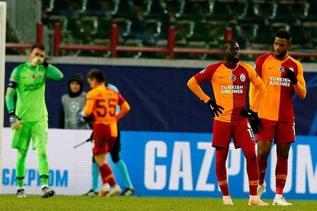 Devre arası transfer dönemi yaklaşırken Galatasaray'da önce Ocak'ta sonra Haziran'da düğmeye basılacak. Sarı-kırmızılılarda bekleneni veremeyen isimlerle yollar ayrılacak.(Takvim)