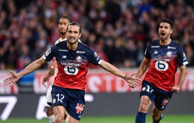 Fransa Ligue 1'de 9. haftada Lille'in Bordeaux'yu 3-0 yendiği maçta Yusuf Yazıcı rüzgarı esti. (Skorer)