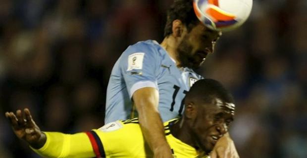 Kadrosuna bir stoper daha katmayı planlayan Trabzonspor'un, adı sıkça Galatasaray ile anılan Milan'ın Kolombiyalı savunmacısı Cristian Zapata'nın peşinde olduğu öğrenildi.