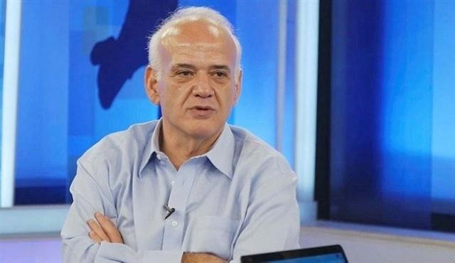 Futbol yorumcusu eski hakem Ahmet Çakar, çıkan olaylar nedeniyle tatil edilen Fenerbahçe-Beşiktaş derbisiyle ilgili olay bir paylaşımda bulundu. TFF'nin vereceği kararın Beşiktaş'ın aleyhinde bir karar olacağı imasında bulundu.