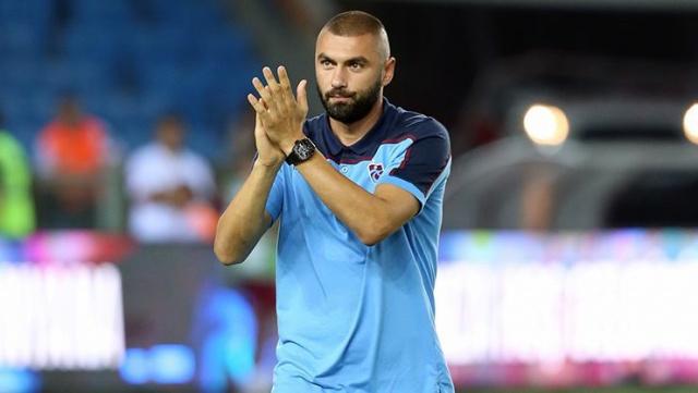 4 büyüklerde de forma giyen ender futbolculardan biri olan ve şu anda Trabzonspor formasını terleten Burak Yılmaz, sosyal medya hesabından Galatasaray'lı bir paylaşımı beğenince taraftarlar heyecanlandı.