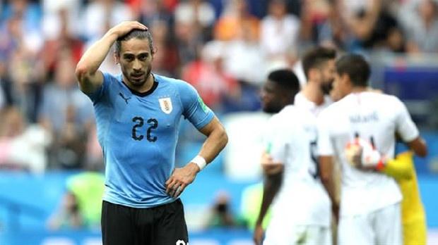 Trabzonspor, 2016'da imza attırmak için İstanbul'a getirdiği ancak menajer ücreti nedeniyle transferinden vazgeçtiği Martin Caceres için yeniden düğmeye bastı. Uruguay Milli Takımı'yla Copa America'da mücadele eden 32 yaşındaki stoper boşa çıkmış durumda. Muharrem Usta döneminde transferi yatan yıldız stoper, önce Lazio ardından da Juventus forması giymişti. (Güneş)