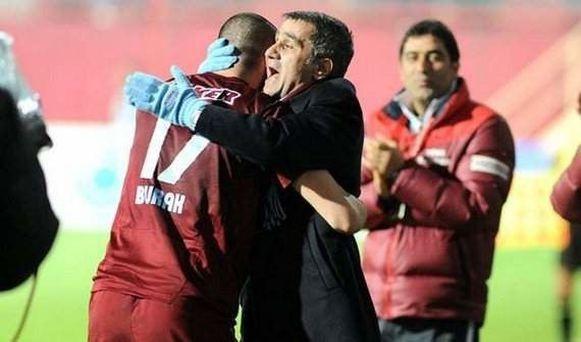 Beşiktaş'ta Şenol Güneş, ihtiyacı karşılayabilecek bir golcü istedi. Yönetimin bu isteği karşılamak için ilk önceliği Burak Yılmaz.
