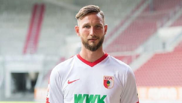 Trabzonspor'a Sloven golcü: Tim Matavz...Menajerler Hollanda ekibi Vitesse'de forma giyen 30 yaşındaki oyuncu için Fırtına'nın kapısını çaldı. Ünal Karaman'ın onayını bekleyen yönetim ise düşünmek için süre istedi. Şartların uyması durumunda Ağaoğlu ve ekibi, Matvz için düğmeye basacak. (Fanatik)