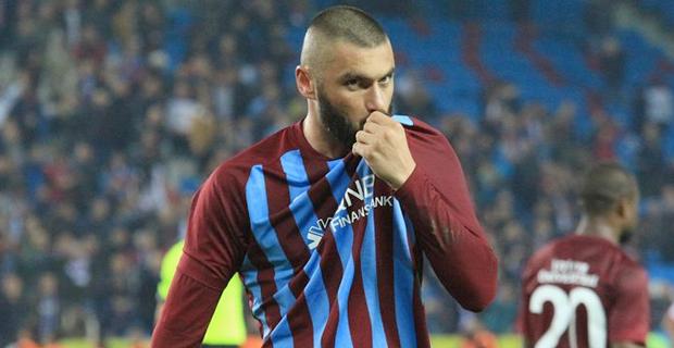 Beşiktaş Yönetimi ve teknik heyetle yaşadığı ciddi sorunlar nedeniyle süresiz olarak kadro dışı bırakılan Tolgay Arslan'la yollar ayrılıyor.