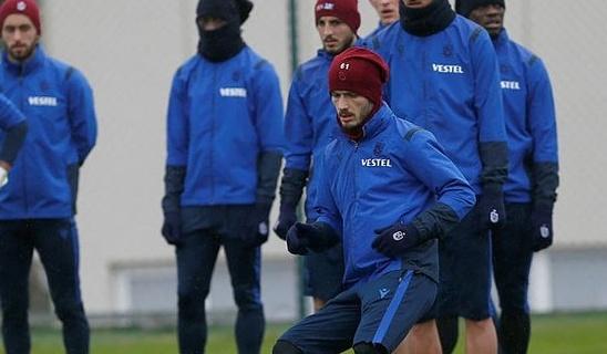 Spor Toto Süper Lig'de şampiyonluğu göğüslemek isteyen Trabzonspor, 3 isimle kadrosunu güçlendirdi.