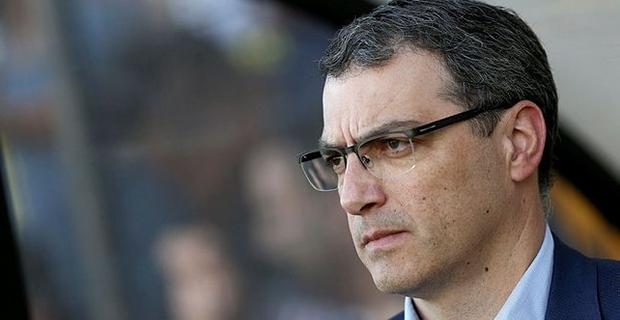 Yeni sezon öncesi kadrosunu güçlendirmek için çalışmalarını sürdüren Fenerbahçe'de Sportif Direktör Comolli'nin kararıyla 8 futbolcu ile yollar ayrılıyor.