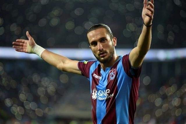Trabzonspor'un milli oyuncusu Yusuf Yazıcı, sabah idmanından sonra Başkan Ahmet Ağaoğlu ile görüşerek Fransa'nın Lille takımına transfer olmak istediğini belirtti.
