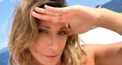 İtalyan şarkıcı Sabrina Salerno adına futbol takımı kuruldu