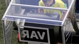 UEFA'dan flaş karar! VAR kalkıyor!